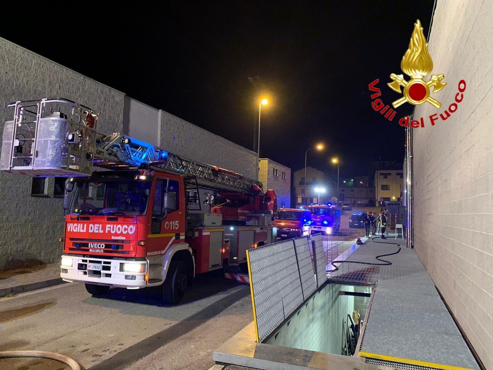 incendio vigili fuoco-2