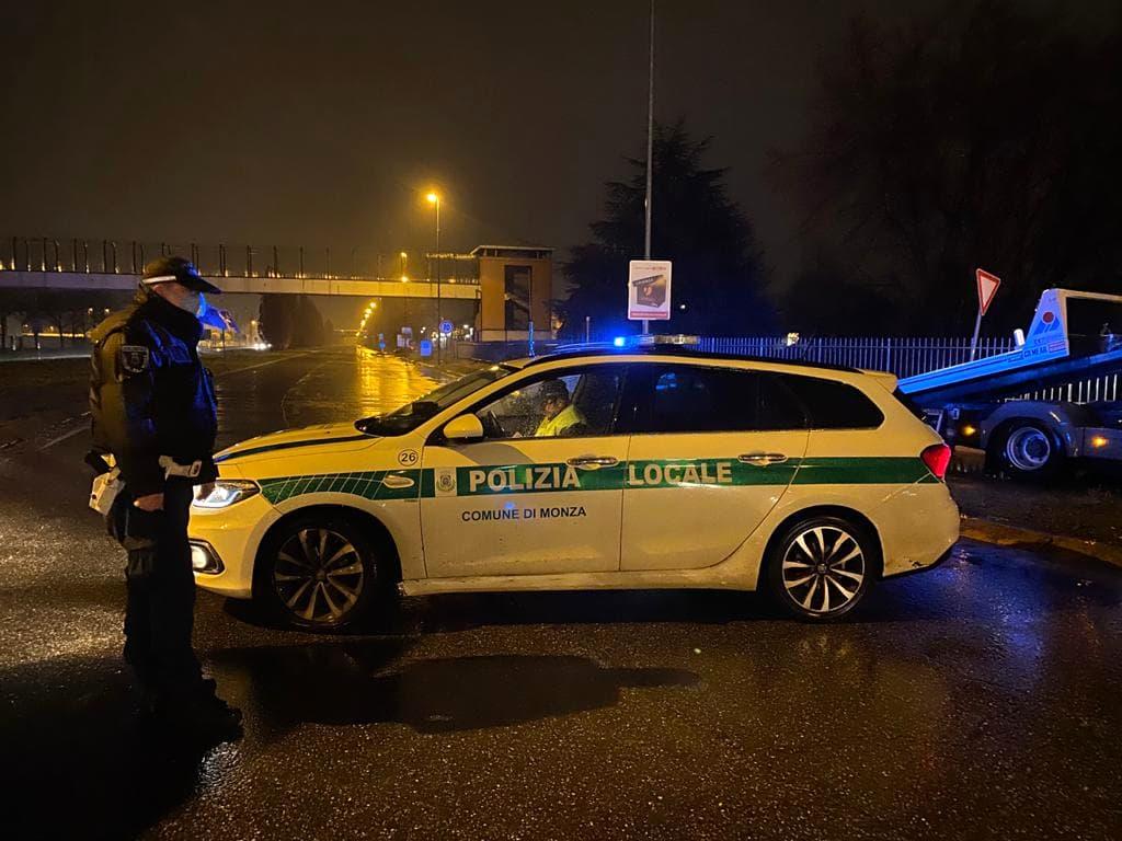 polizia locale incidente notte-2