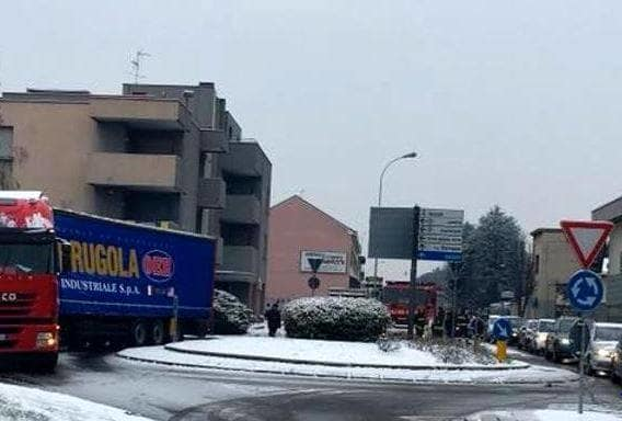incidente camion neve 2-2-2