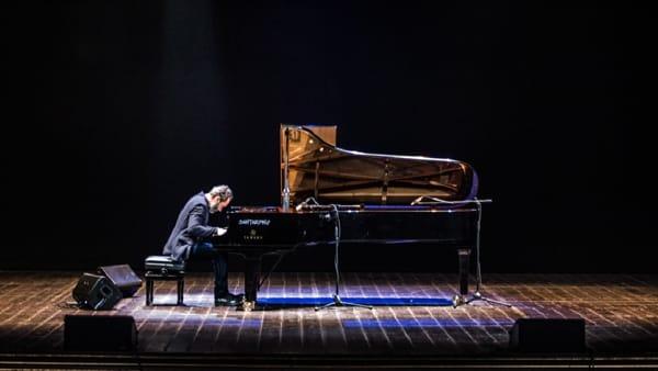 Concerto al buio: il 26 febbraio al Teatro Manzoni