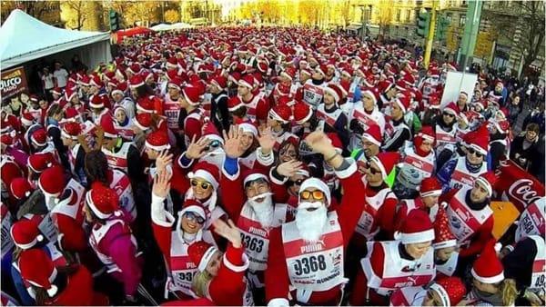 Torna la mitica Babbo Running: la corsa dei 'Babbi Natale' a Carate Brianza