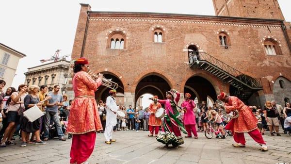 Monza Visionaria: notturni al Roseto, aperitivi in piazza Duomo, parade e concerti