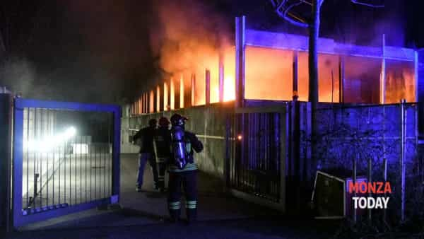 L'incendio (Foto B&V Photographers)