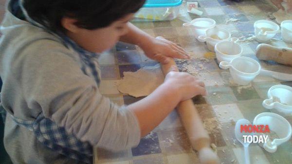 laboratori di cucina per bambini, arte e riciclo creativo: i nuovi appuntamenti di marzo alla stanza dei colori di albiate-2