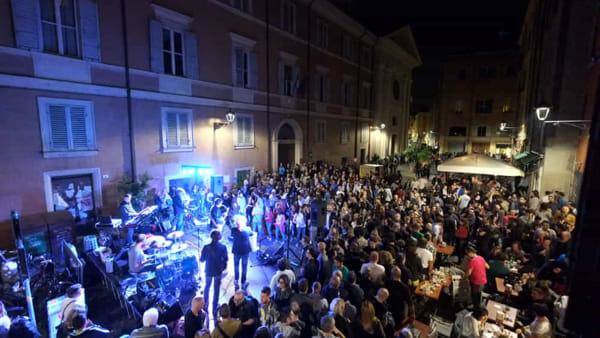 Notte bianca a Brugherio: a giugno street food e musica dal vivo