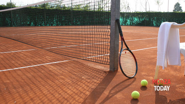 Estorce 30mila euro all'allieva: Giussano, arrestato maestro di tennis