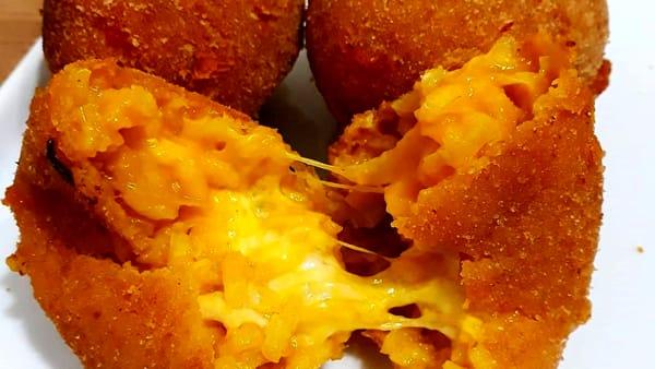 Dallo gnocco fritto agli arancini, ogni settimana un ristorante diverso: ecco Pop Up