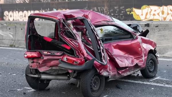 Tassista travolto e ucciso sulla Milano-Meda, caccia all'auto in fuga dopo lo schianto. Video