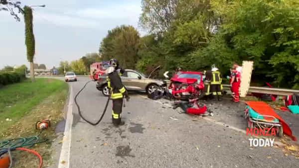 Violento incidente frontale tra due auto a Concorezzo: 4 persone ferite gravemente