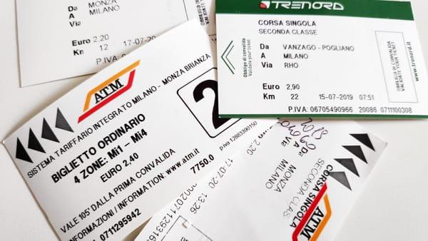 """La beffa del """"biglietto integrato"""", introvabile fuori Milano perché Trenord non li vende: stangata sui pendolari"""
