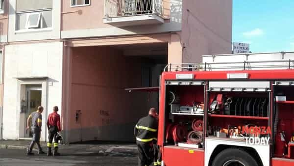 L'incendio a Lissone (Foto B&V Photographers per MonzaToday)