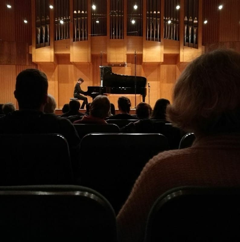 Il pianista Riccardo Gagliardi (foto dal suo profilo Facebook)