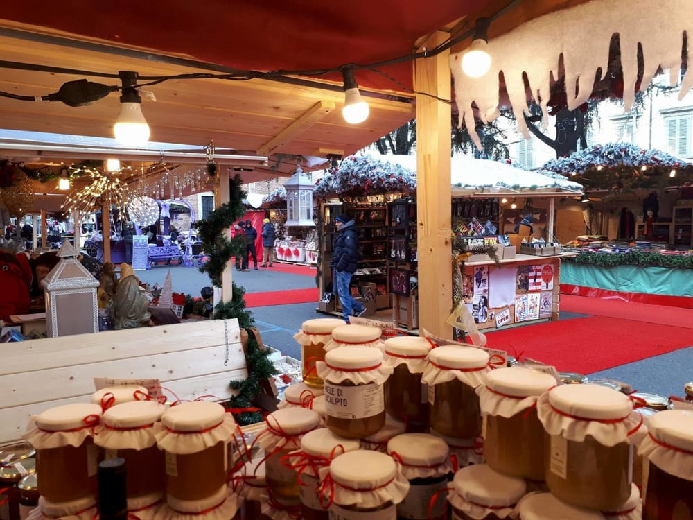 """Christmas Village a Monza (da Fb/Azienda Agricola """"Le Delizie dell'Alveare"""")"""