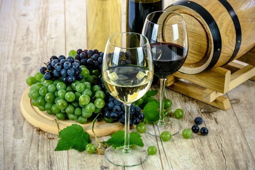 Uva e vino (da Pixabay)