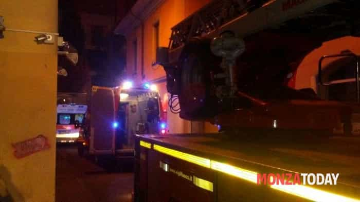 Incendio in pizzeria (Foto Bennati-MonzaToday) (1)