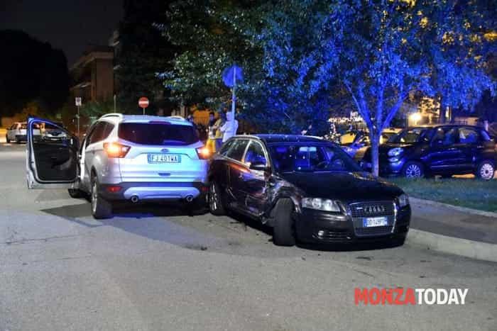 Incidente in via De Gasperi a Monza (Foto Bennati-MonzaToday) (1)