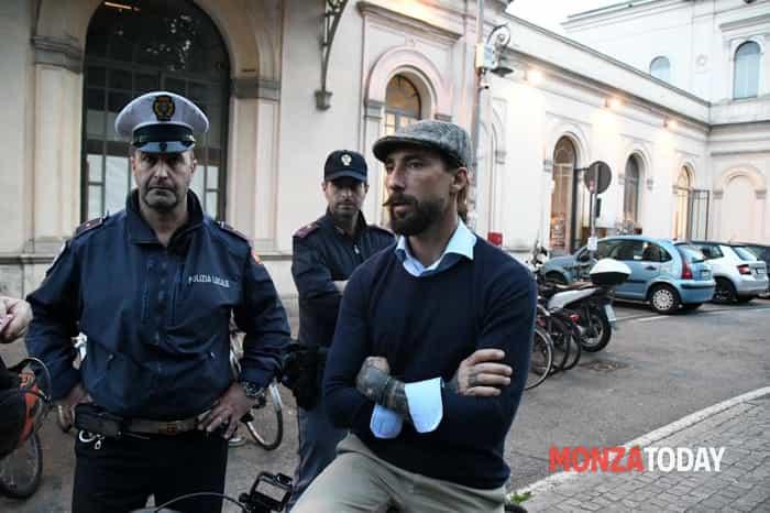 Brumotti aggredito in stazione a Monza (B&V Photographers) (4)